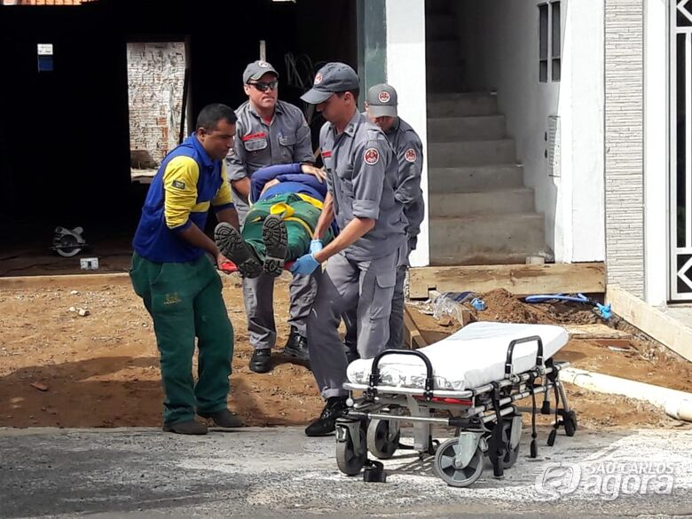 Motorista sofre queda durante trabalho no Santa Felícia - Crédito: Maycon Maximino