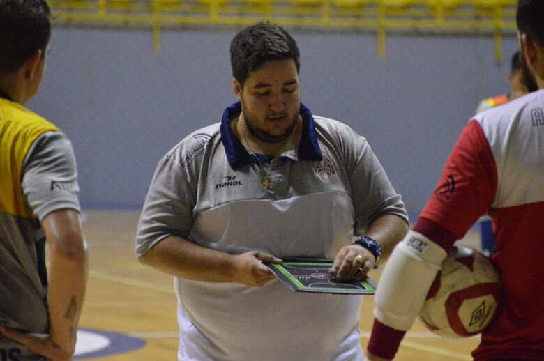 São Carlos irá 'agredir' e propor o jogo em Sorocaba - Crédito: Maicon Reis