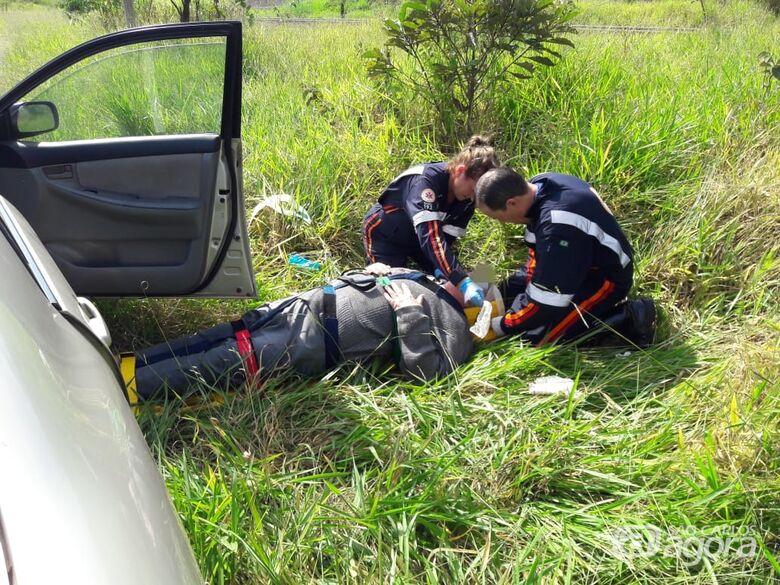 Cônego Antonio Tombolato fica ferido após acidente na Avenida Morumbi - Crédito: Maycon Maximino