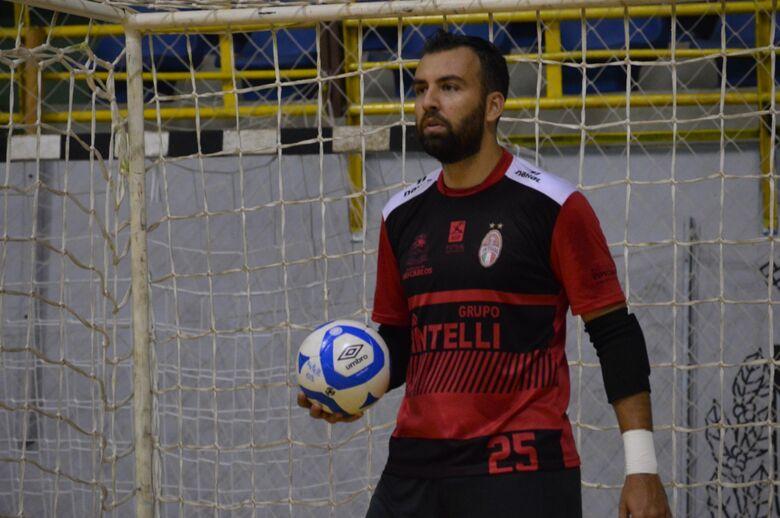 Veloso sonha com seleção brasileira e quer ser campeão por São Carlos - Crédito: Maicon Reis