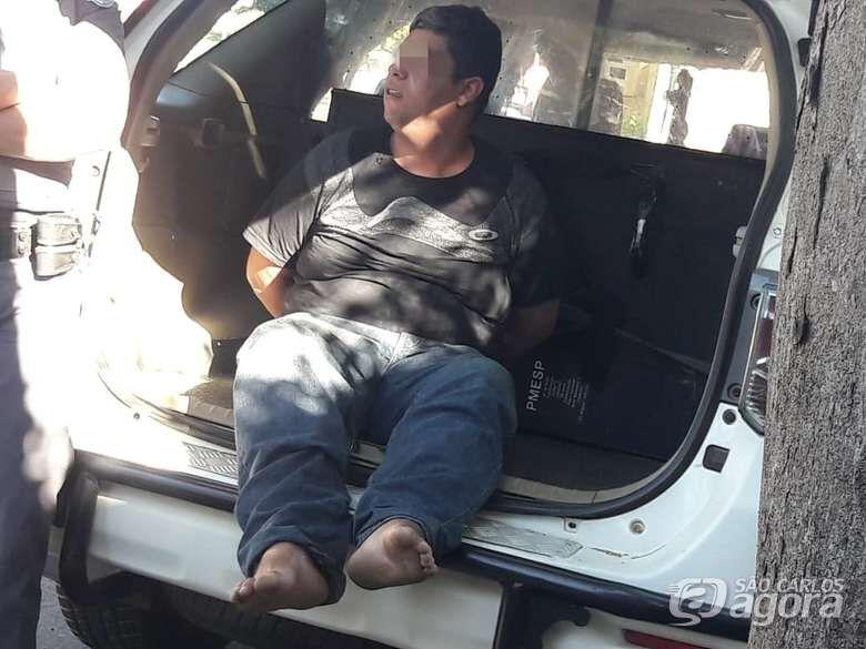 Mulher é atacada por ex-namorado a facadas no Araucária - Crédito: Maycon Maximino