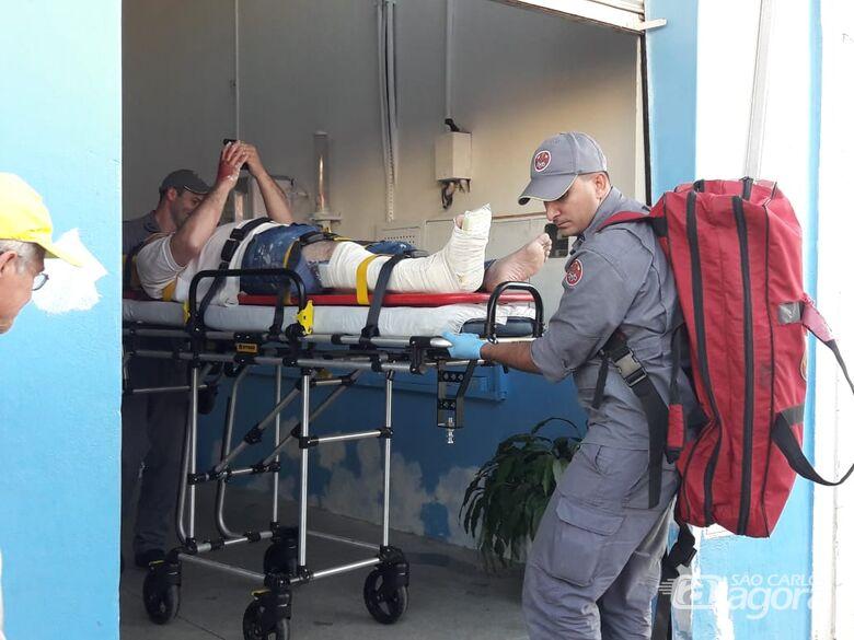 Homem sofre fraturas após cair de escada dentro de igreja na Vila Prado - Crédito: Maycon Maximino