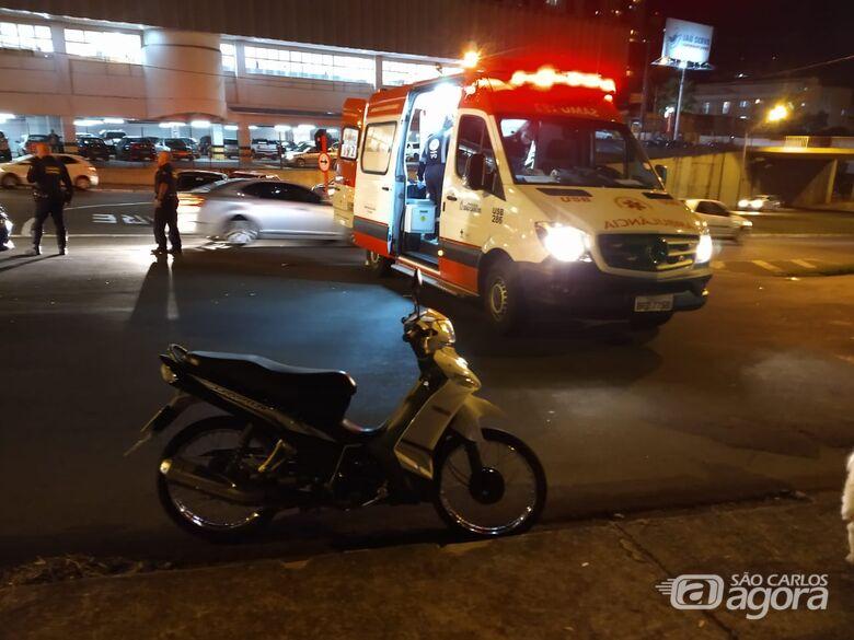 Motociclista fica ferida em acidente na região da rodoviária - Crédito: Luciano Lopes