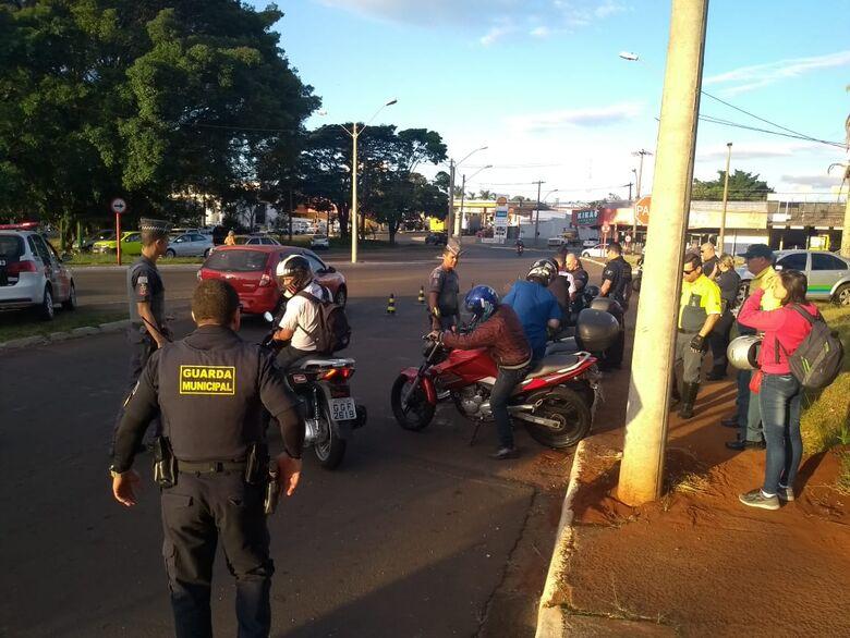 Motos barulhentas: PM, GM e Fiscalização realizam blitz em São Carlos - Crédito: Colaborador/SCA