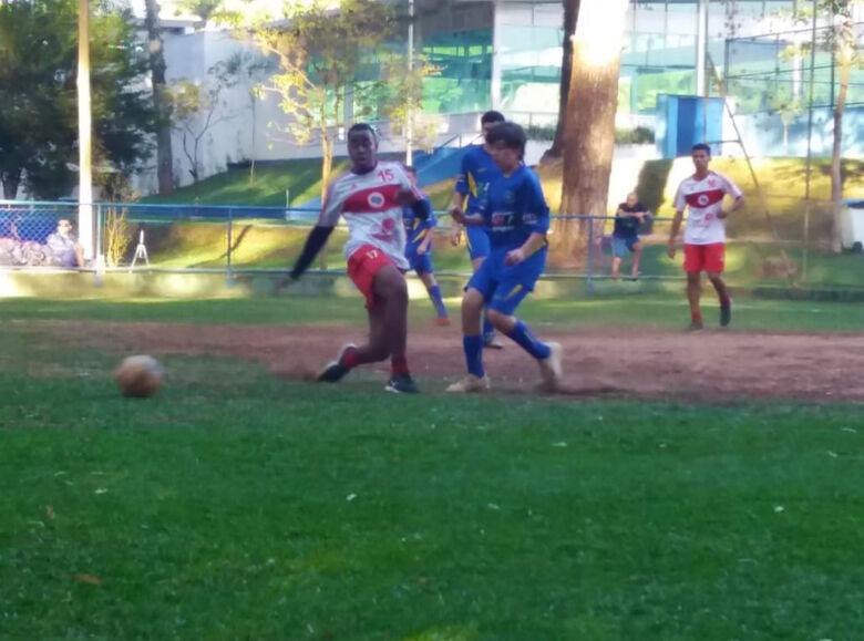 Multi Esporte/CJ Elaine Viviani participa do festival no São Carlos Clube - Crédito: Divulgação