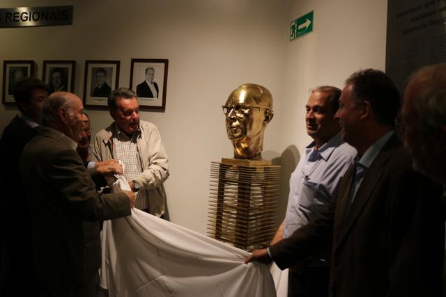 Ciesp São Carlos revitaliza busto do 1º diretor, Germano Fehr Júnior - Crédito: Divulgação