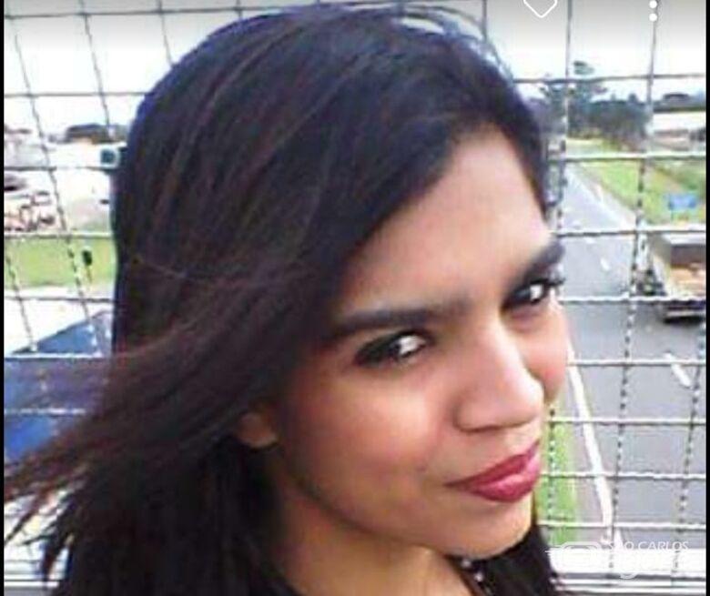 Mãe faz apelo para encontrar a filha desaparecida - Crédito: Reprodução