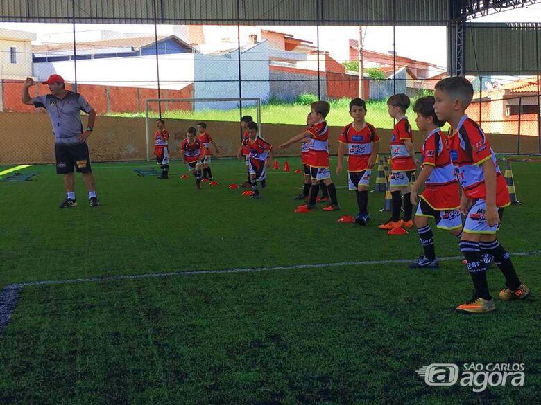 Equipes baby foot da Mult Sport treinam de olho no Campeonato Interno - Crédito: Divulgação