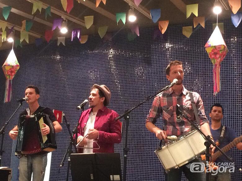 Show de forró no Sesi São Carlos comemora 15 anos de carreira do Grupo Tarralá - Crédito: Divulgação