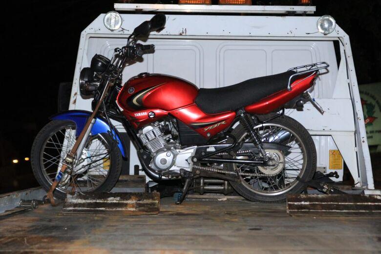 Adolescente é flagrado conduzindo motocicleta e foge da polícia - Crédito: Marco Lúcio