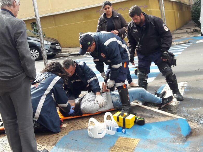 Duas mulheres são atropeladas no centro; uma fica ferida - Crédito: Maycon Maximino