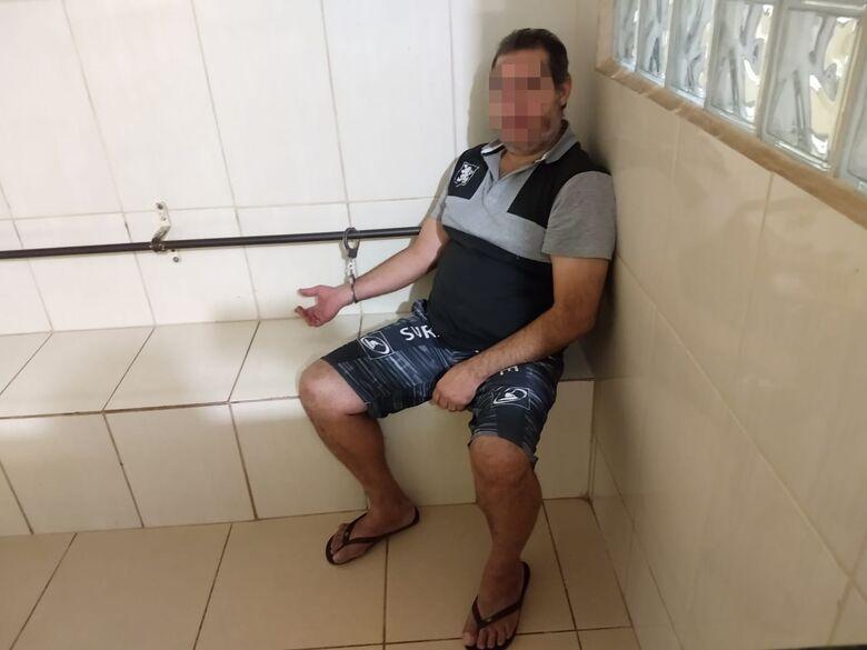 Motorista suspeito de embriaguez é detido após colisão - Crédito: Luciano Lopes