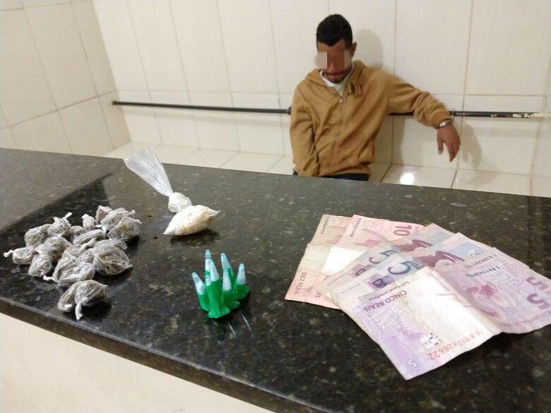 Acusado de tráfico, desocupado é detido com maconha, crack e cocaína - Crédito: Luciano Lopes