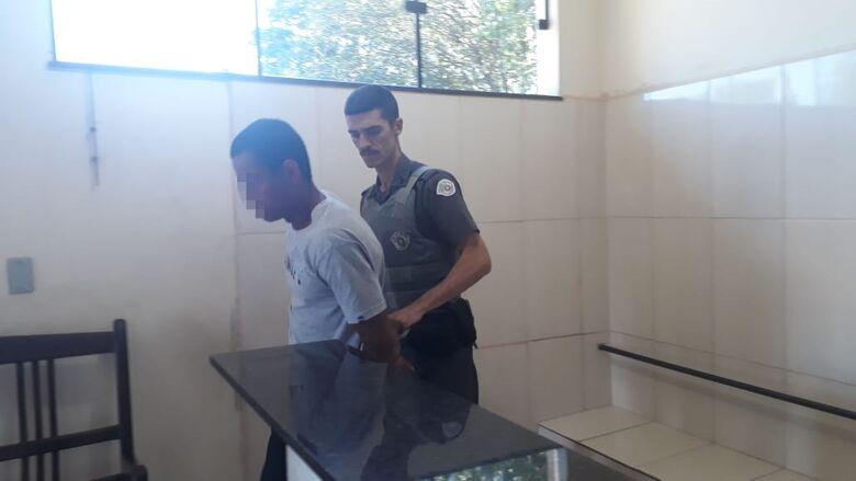 Homem é esfaqueado diversas vezes após desentendimento com cunhado - Crédito: Marco Lúcio