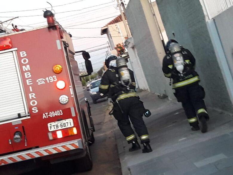 Princípio de incêndio é registrado em padaria na Vila Prado - Crédito: São Carlos Agora