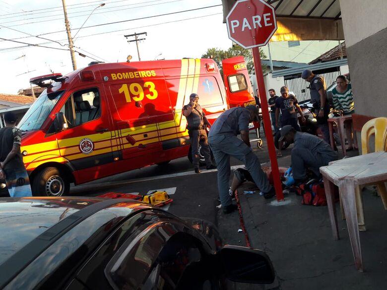 Homem é atingido por várias facadas na Vila Alpes - Crédito: São Carlos Agora