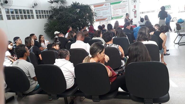 Pacientes reclamam de superlotação e demora no atendimento da UPA Vila Prado - Crédito: Colaborador/SCA