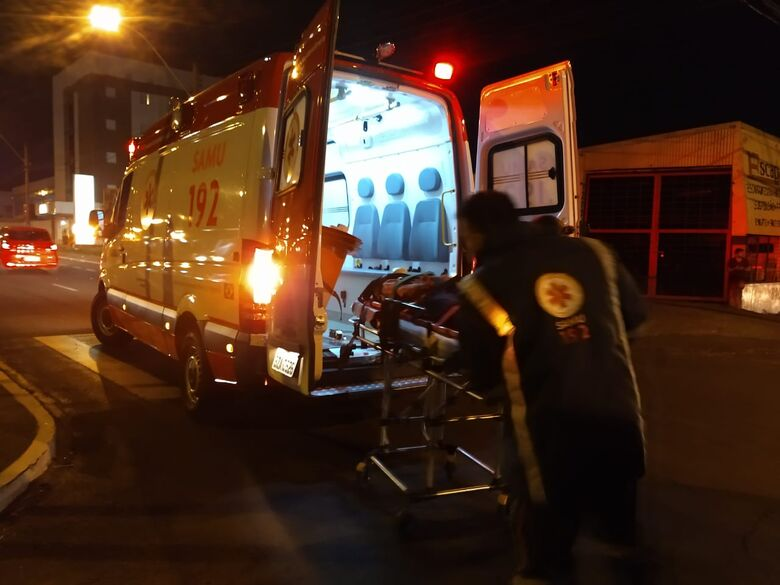 Idoso sofre ferimentos após ser atropelado em cruzamento - Crédito: Luciano Lopes