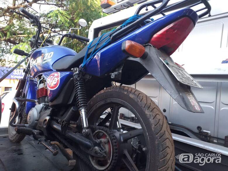 Moto roubada no Jardim Pacaembu é encontrada em mata -