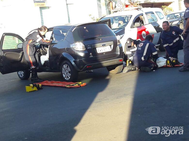 Duas pessoas ficam feridas após colisão na Vila Prado - Crédito: Maycon Maximino