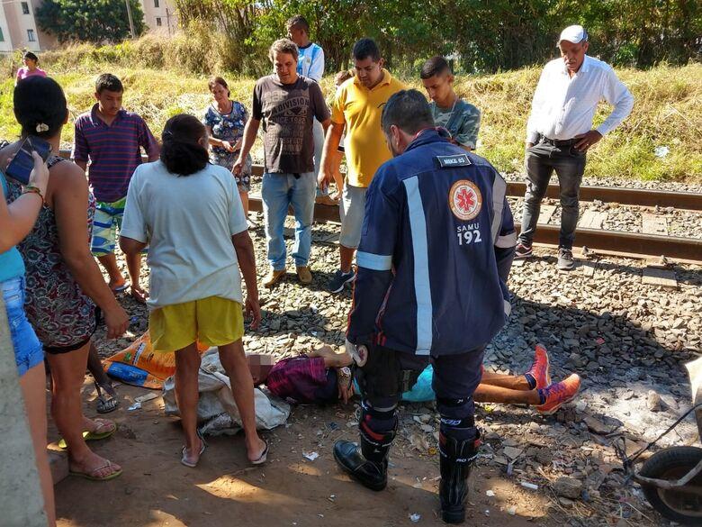 Jovem é atropelado por trem na região do CDHU - Crédito: Luciano Lopes