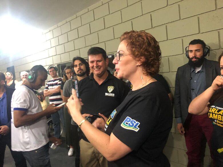 CATE Valenti recebe visita da deputada federal Carla Zambelli - Crédito: Divulgação
