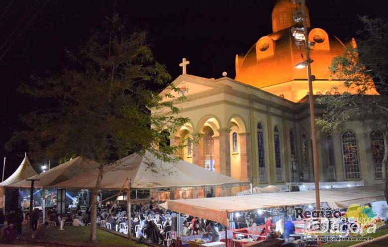 10º Sertanejão da Catedral registra um grande público na primeira semana - Crédito: Região em Destake