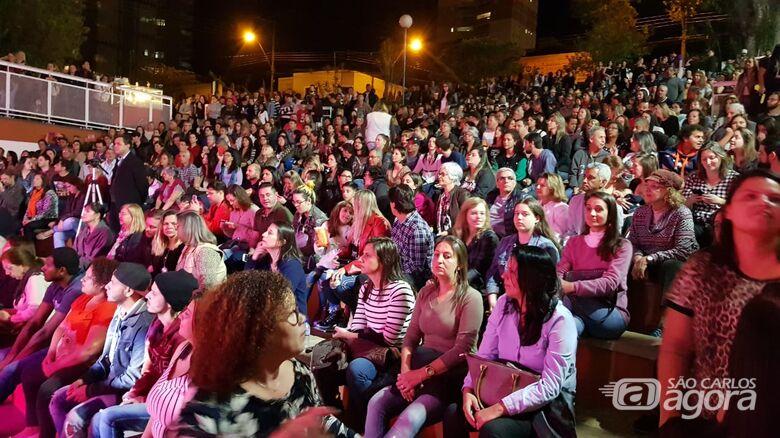 Circuito Arena: público lota Teatro de Arena para assistir show da Banda Vinil 78 - Crédito: Divulgação