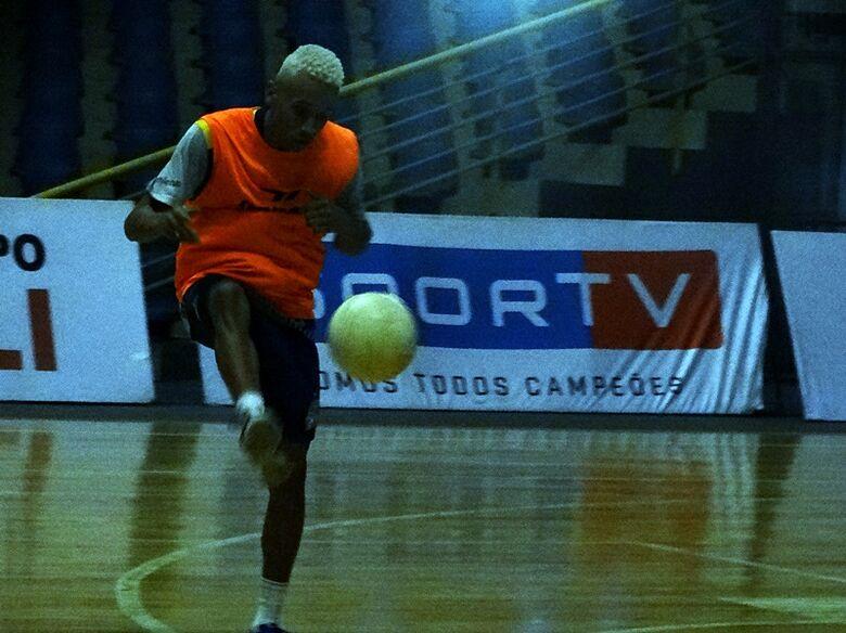 Gabrielzinho concretiza sonho na Liga Nacional; vibra com primeiro título e quer vida longa em São Carlos - Crédito: Marcos Escrivani
