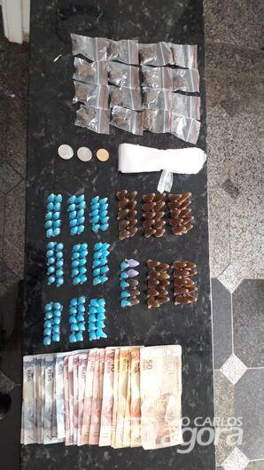 Homem é preso após jogar drogas por cima do muro em Ibaté -
