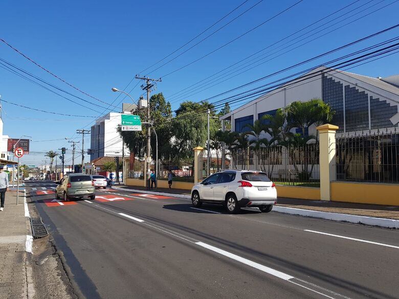 Secretaria de Transporte e Trânsito realiza mudanças na avenida Carlos Botelho na região da USP -