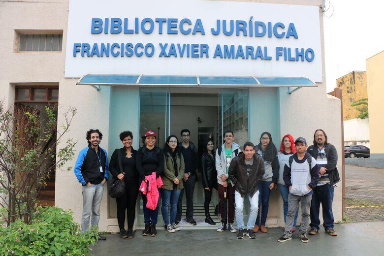 Alunos do curso de Biblioteconomia da UFSCar visitam a biblioteca jurídica da Câmara Municipal - Crédito: Divulgação
