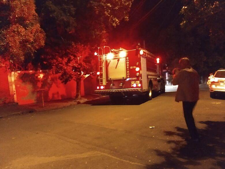 Vela causa incêndio em quarto de residência no Santa Marta - Crédito: Luciano Lopes
