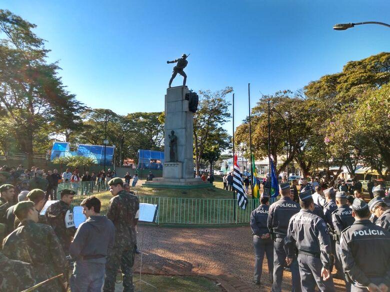 Ex-combatentes da Revolução de 1932 são lembrados em solenidade oficial em São Carlos - Crédito: Divulgação