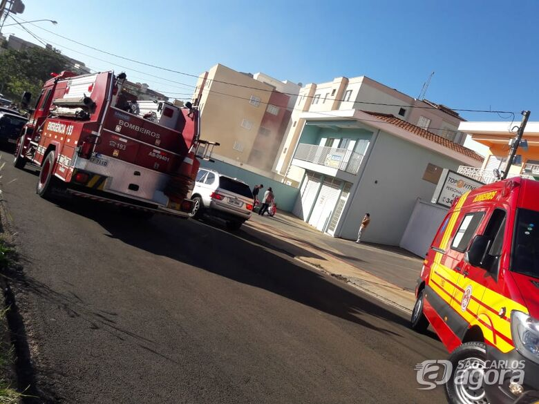 Princípio de incêndio em apartamento assusta moradores - Crédito: Maycon Maximino