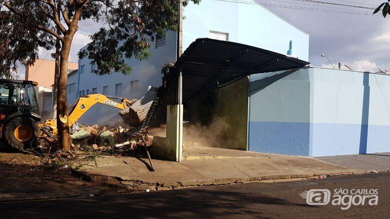 Imóvel construído em área pública invadida é demolido no Lagoa Serena - Crédito: Divulgação