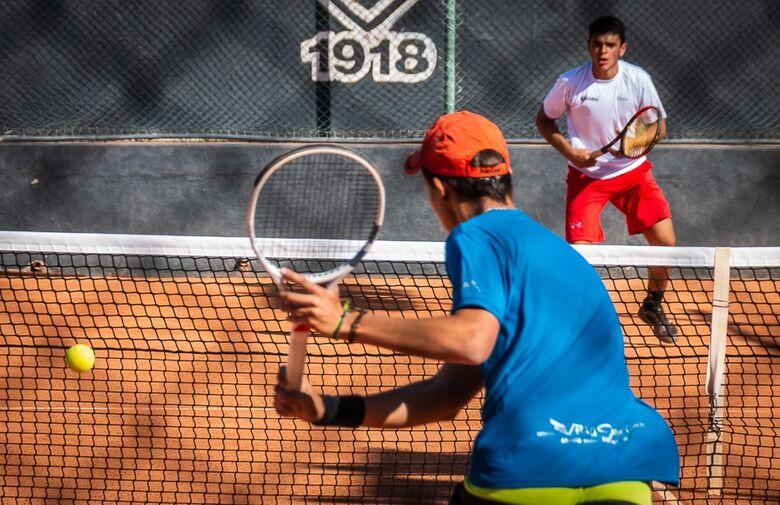 Tênis de São Carlos é tricampeão nos Jogos Regionais - Crédito: Divulgação