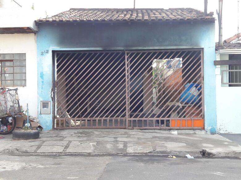 Fogo destrói casa no Jardim Paulistano - Crédito: Divulgação