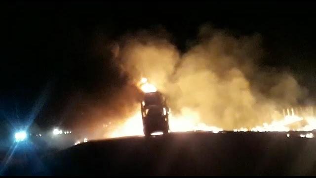 Motorista morre carbonizado após colisão traseira entre carretas na rodovia Anhanguera - Crédito: Araraquara 24 Horas