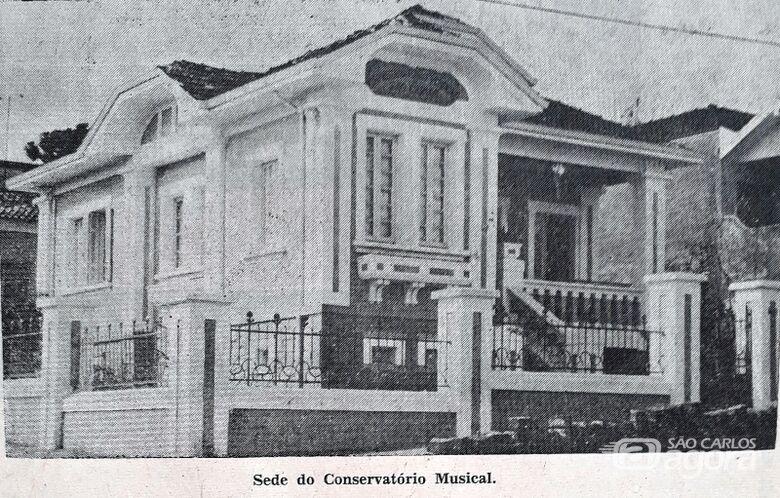 """Conservatório Musical, templo de cultura em São Carlos - Crédito: A Folha/Reprodução """"Memória Musical – Retratos de um Conservatório"""""""