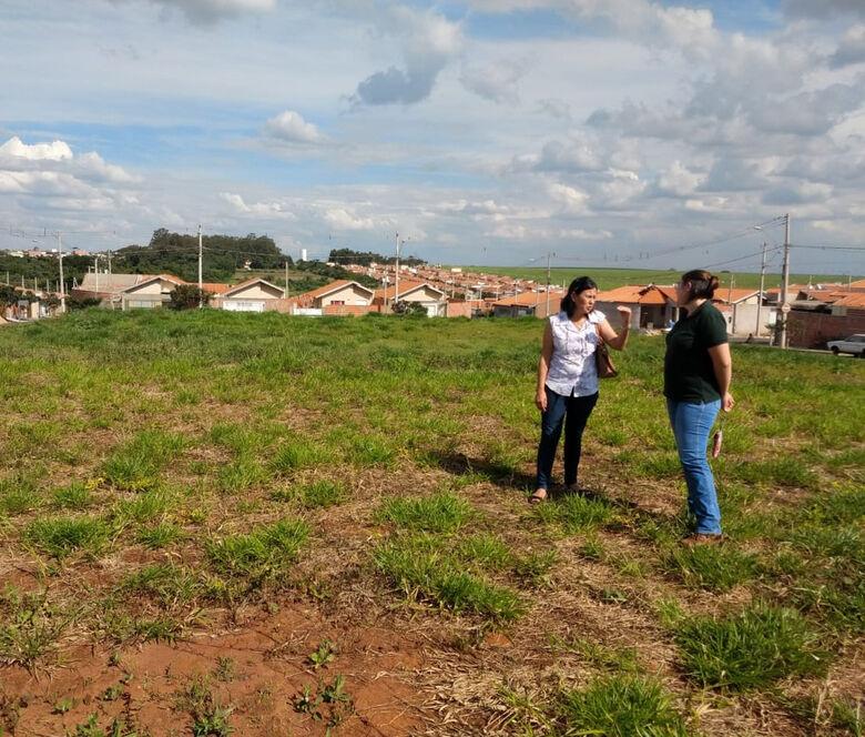Projeto de arborização prevê plantio de 100 árvores em bairro de São Carlos - Crédito: Denise Britto - CCS