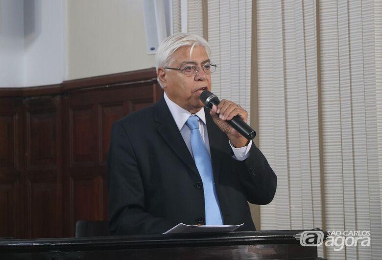 Azuaite esclarece sobre pedido relacionado a quadro doado à Câmara pelo pintor Ernesto Lia - Crédito: Divulgação