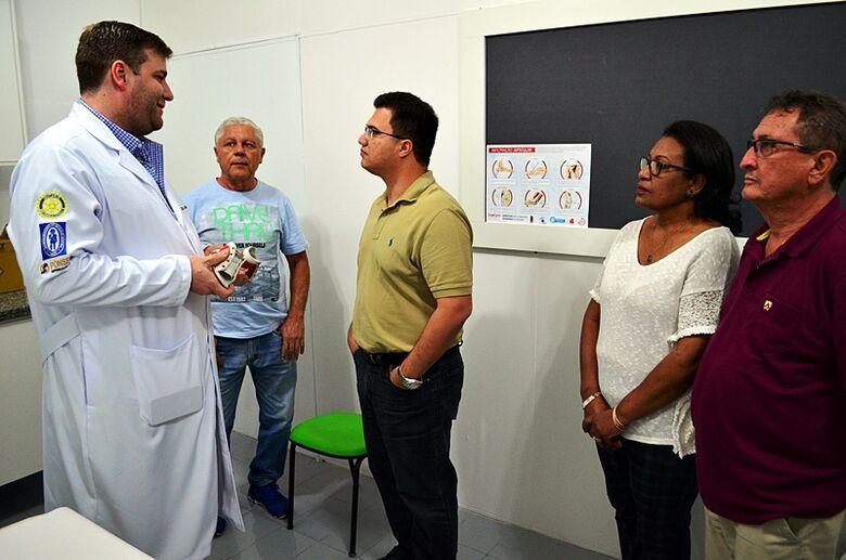 Deputado estadual visita Ambulatório Municipal de Ibaté e anuncia R$ 200 mil - Crédito: Divulgação