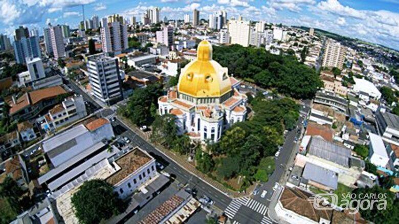 São Carlos ultrapassa os 250 mil habitantes e continua sendo a cidade mais populosa da região - Crédito: Foto Owl Drones