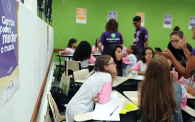 Projeto da USP São Carlos é exemplo de como a união de forças entre universidades e escolas públicas - Crédito: Denise Casatti