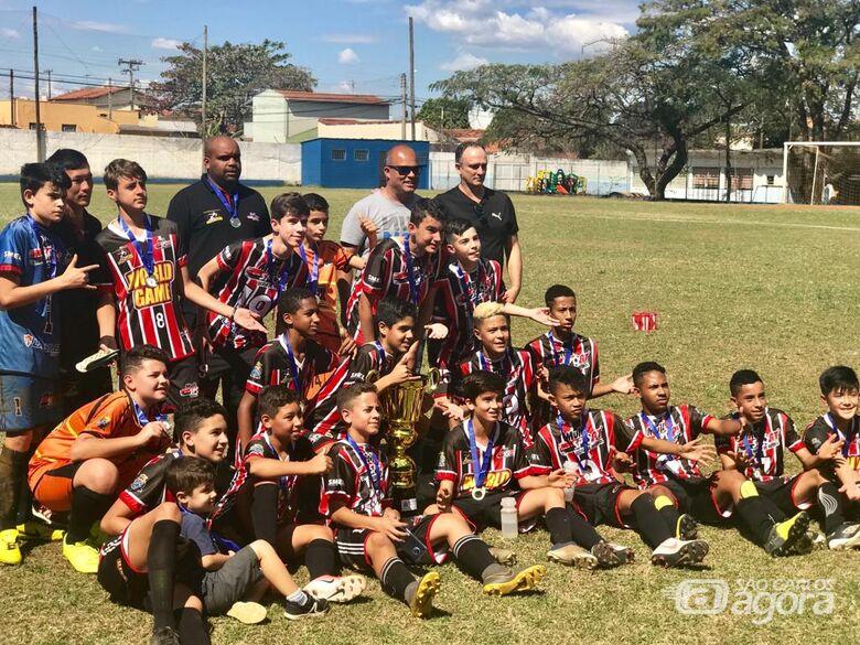 Sem saber o que é perder, Multi Esporte/La Salle conquista título no sub13 - Crédito: Divulgação
