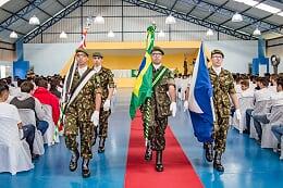 Jovens da classe 2019 participam do Juramento à Bandeira no Centro de Convivência da Melhor Idade - Crédito: Divulgação