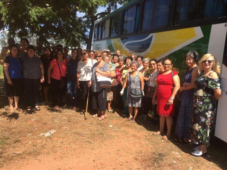 Centro de Convivência da Melhor Idade visita a Feira Nacional do Bordado de Ibitinga - Crédito: Divulgação