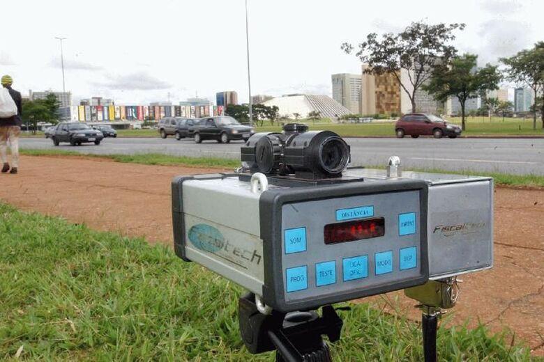 Bolsonaro manda suspender uso de radares nas rodovias federais - Crédito: Agência Brasil