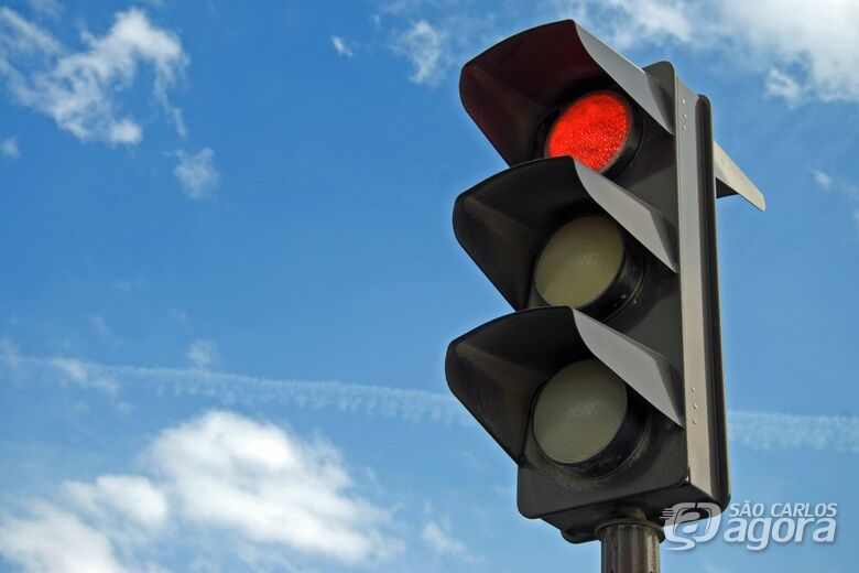Semáforo da Trabalhador São Carlense começa a funcionar a partir de segunda-feira -